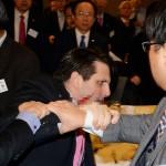 """Acuchillan al embajador de EE.UU. en Corea del Sur y Corea del Norte saluda el """"justo castigo"""""""