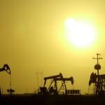 Precio de combustibles en caída libre: producción supera consumo y depósitos están repletos