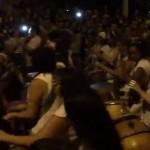 Día de la Mujer: Decenas de tamborileras y bailarinas hicieron retumbar la calle Isla de Flores festejando la jornada.