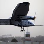 """El """"Solar Impulse 2"""" primer avión a energía solar inicia su intento de dar la vuelta al mundo"""