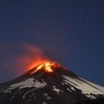 Volcán chileno Villarrica entra en erupción: evacúan miles de vecinos y hay estado de alerta máxima