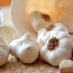 El ajo crudo tiene muchas propiedades curativas