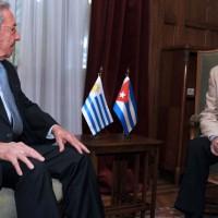 Tabaré Vázquez y Raúl Castro acordaron impulsar la capacitación de recursos humanos, en prestaciones de salud y desarrollo social