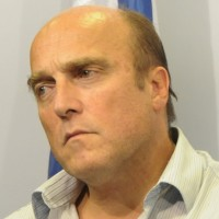 Daniel Martínez dijo estar dispuesto a debatir pero se someterá a lo que determine el Frente Amplio