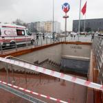 """Estambul: Extremistas secuestran fiscal en pleno juicio y el país se paraliza por corte de energía """"terrorista"""""""