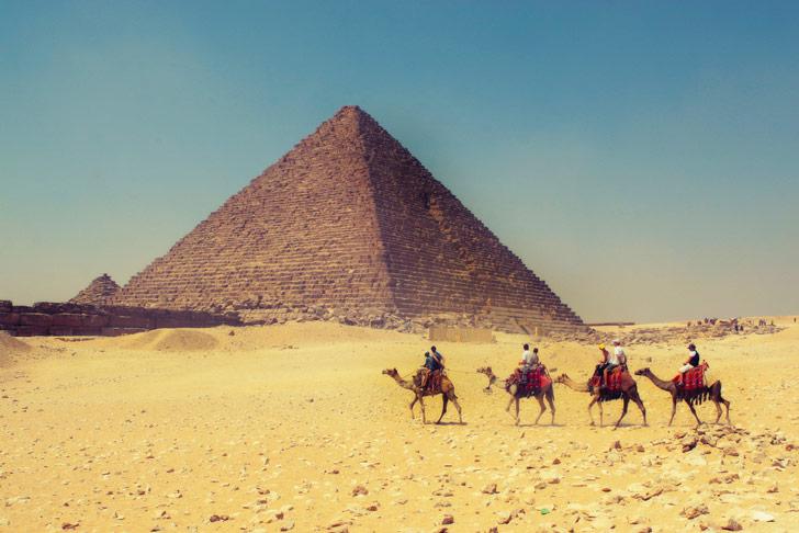 Paseo en camello por las Pirámides de Giza en Egipto / Foto: Tim Kelley