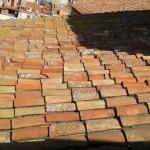 """En bancarrota, iglesia de Tarragona ofrece """"apadrinar"""" tejas antiguas del techo y recauda ya 30.000 euros"""