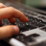 Más de un millón de uruguayos lee noticias en Internet, en los portales o a través de las redes sociales