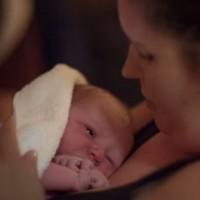Samsung Gear festeja primera transmisión de un parto usando sus lentes de realidad virtual