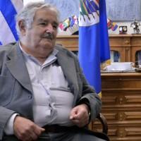 """Gobierno aprueba decreto modificativo del Fondes, legisladores cuestionan que hay un proyecto y Mujica pone """"paños fríos"""""""