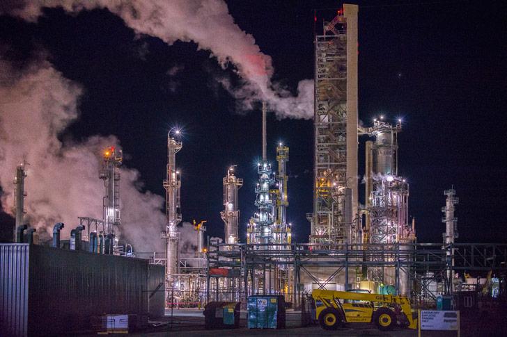 La quema de combustibles fósiles y los costos ambientales de elaborar automóviles superan ampliamente el de las bicicletas / Foto: r. nial bradshaw
