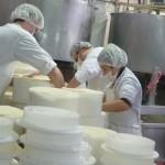 El 26 de marzo habrá paro general de los trabajadores de la industria láctea por cierre de Ecolat