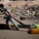 """Para Irán los ataques en Yemen """"acabarán en horas"""", pero EE.UU. envía un portaaviones al frente de una flota"""