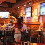 Restaurante que cobra un 30% más a los hombres, busca concientizar sobre diferencia salarial
