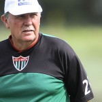 Raúl Moller fue cesado como entrenador del Tanque Sisley