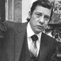 Intendencia de Montevideo recibe archivo documental y museístico de Alfredo Zitarrosa