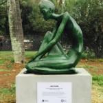 Inauguran escultura de Ana Frank en Parque de la Amistad