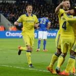Chelsea acaricia el título tras ganar en Leicester