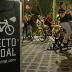 Proyección de película en el Parque Rodó, en el cierre de la Gira Verano a Pedal, de Efecto Cine