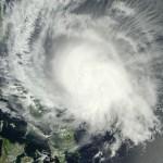 Filipinas evacúa miles de personas ante llegada del tifón Maysak con vientos de 180 kms. por hora