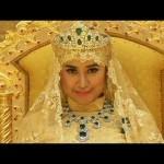 La boda más fastuosa del año: trajes de oro y diamantes para el Príncipe de Brunéi y su desposada