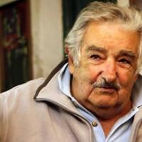 Mujica no analizó el TISA en su gobierno y reconoció que es un problema para Vázquez
