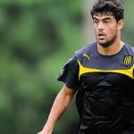 Peñarol: Luis Aguiar abandonó el entrenamiento sentido y es duda su presencia frente a Rampla Juniors