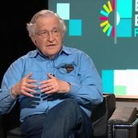 Entrevista a Noam Chomsky: Contra el imperio de la vigilancia