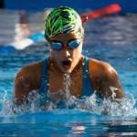 Sobrina de la nadadora olímpica Erika Graf bate récord de hace 27 años