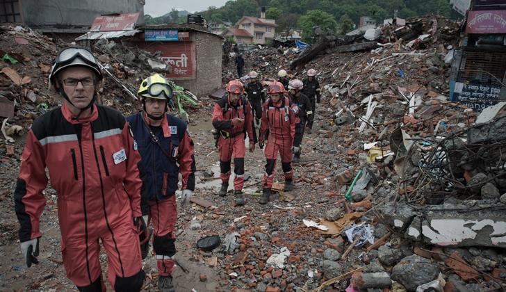 Víctimas fatales de terremoto en Nepal superan 5.000 y aún se desconoce el total de desaparecidos