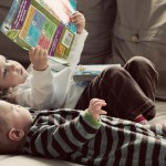 """Parlamento de Escocia vota una """"cédula de biblioteca"""" desde el nacimiento que estimule la lectura"""