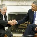 """Mujica pide a EE.UU. """"que ponga el huevo"""" y envíe fondos para mantener a los ex presos de la cárcel de Guantámo: Vázquez coincide"""
