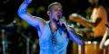 Vocalista de Calle 13 instó a mantener viva la lucha por desaparición de estudiantes mexicanos