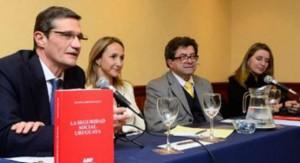 """Libro """"La seguridad social uruguaya"""" destaca políticas de gobierno para mejorar inclusión y disminuir informalidad"""