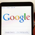 Universidad de Yale afirma que Google lejos de hacernos más inteligentes nos hizo más dependientes
