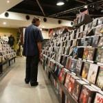 Venta mundial de formato digital supera por primera vez a cualquier otro, pero el clásico de vinilo se recupera