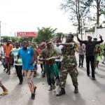 Burundi ante intento golpista: luchan en las calles militares y partidarios del presidente que huyó del país