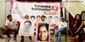 Familiares de los 43 estudiantes desaparecidos de la escuela de Ayotzinapa en México llegan a Montevideo