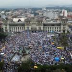 Se agravan manifestaciones exigiendo renuncia del presidente Otto Pérez Molina tras escándalo en el gobierno