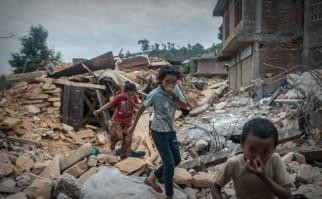 Nepal: Agua, comida y refugio