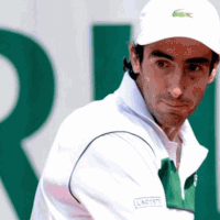 Cuevas volvió a ganar y avanza en Roland Garros