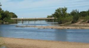 El gobierno concretará a mediados de año monitoreo directo de aplicaciones de agroquímicos en cuenca del río Santa Lucía