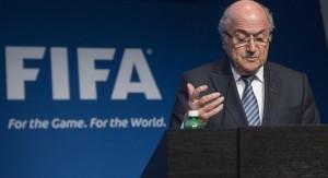 """Blatter renuncia: """"La FIFA necesita una profunda renovación"""""""