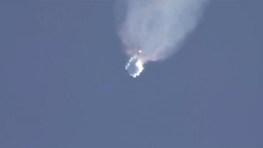 Absoluto misterio por estallido del cohete Space X, que llevaba insumos a la Estación Espacial Internacional