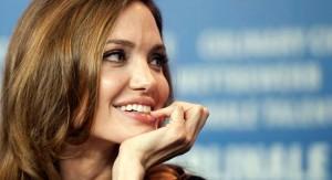 Los hombres pueden dejar de pensar de forma racional ante la presencia de mujeres atractivas