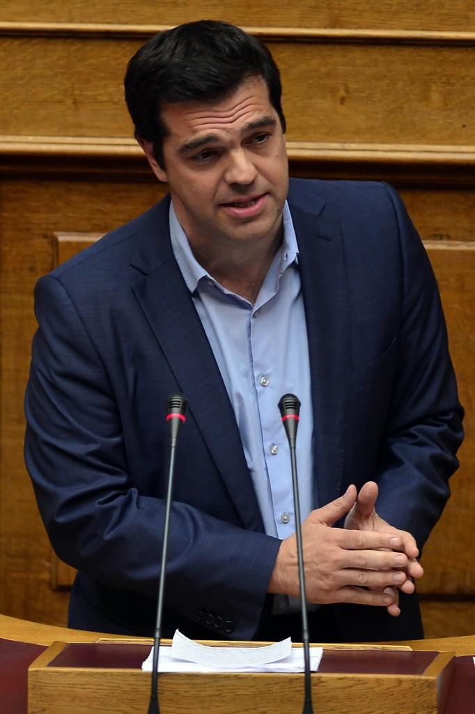 El poder de Syriza en las negociaciones estaba muy limitado por las condiciones que se daban a los dos lados de la mesa negociadora. Y una constante por parte de Syriza era su deseo, reflejando lo que deseaba la gran mayoría del pueblo griego, de mantenerse en la Eurozona. Foto: Louisa Gouliamaki - AFP.