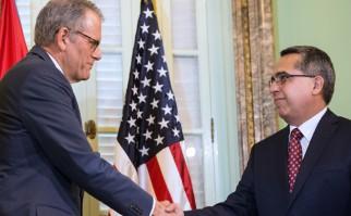Cuba acepta los saludos de Washington por restablecimiento de relaciones diplomáticas y exige que se levante el bloqueo