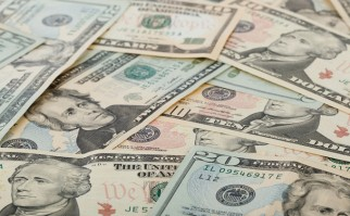 Gobierno vaticina mayor fortalecimiento del dólar y asegura que no es preocupante el endeudamiento en la moneda extranjera
