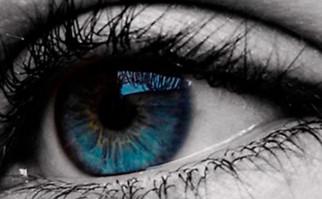 Una investigación en Estados Unidos relaciona  al color de los ojos con el alcoholismo