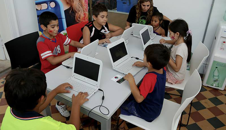 Fundación Ceibal definió pautas de investigación para analizar el uso de tecnología